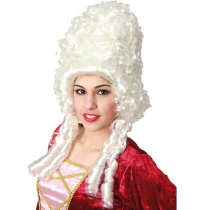 Frau barockes Kostüm mit Perücke in weiß