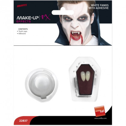 Dracula Zähne klebend