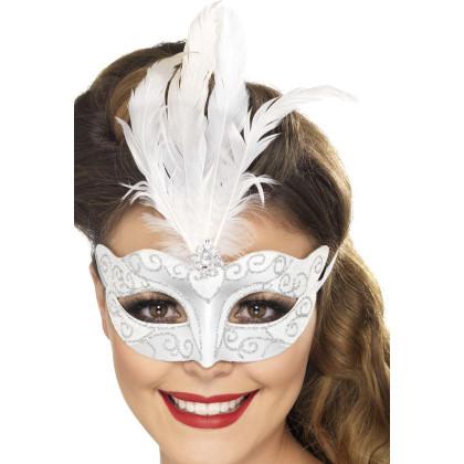Maske mit Federn weiß. Ornamente und Schmuckstein silber. Venezianische Maske