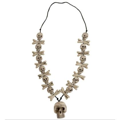 Kette mit Totenkopf und gekreuzten Knochen