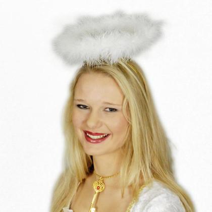 Mädchen mit Heiligenschein als Haarreif auf dem Kopf