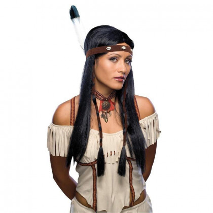 Frau mit Indianerin Perücke