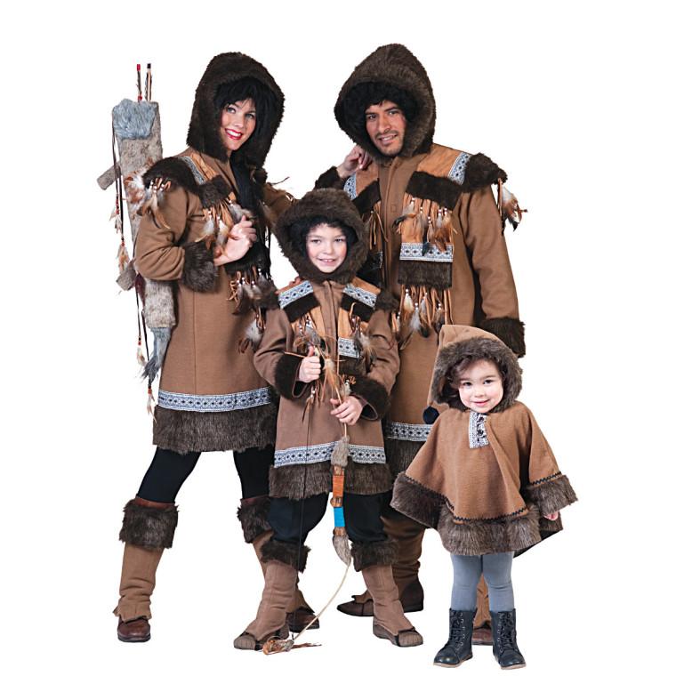 eskimo kostuem fuer die familie oder gruppe  braun