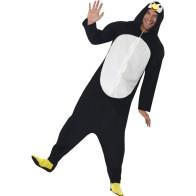 Mann im Pinguin Kostüm