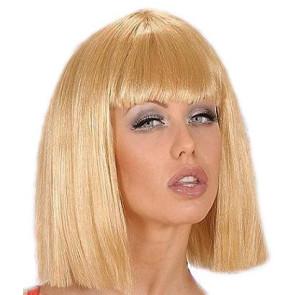 Frau mit blonder Pony Perücke