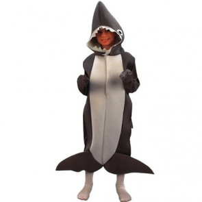 Kind im Hai Kostüm