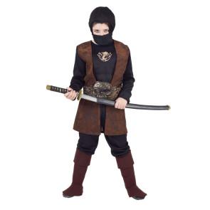 Junge im Kinderkostüm Fasching als Ninja verkleidet