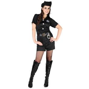 Mädchen als Polizistin verkleidet