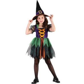 Mädchen im zauberhaften Hexenkostüm