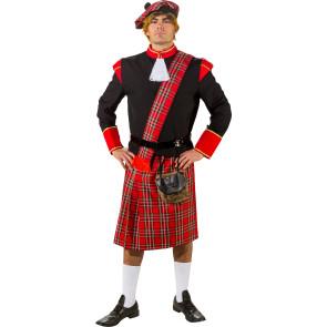 Mann als Schotte kostümiert, mit Hut und Kilt