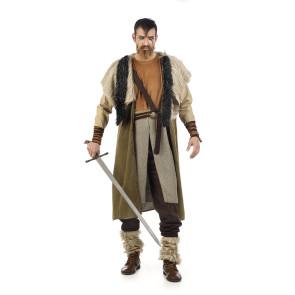 Mann als Wikinger Häuptling verkleidet mit Axt in der rechten Hand