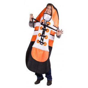 Mann in ausgefallenen Kostüm als Sportschuh in orange.