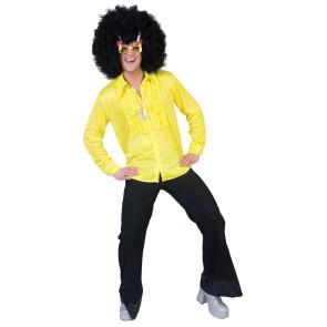 Junger Typ im lustigen Disco Hemd mit Rüschen