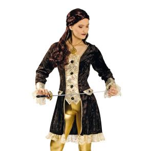 Blonde Frau in Kostüm als Piratin verkleidet mit Hut und langem Rock