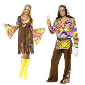 Paar Mann und Frau im Karneval Hippie Kostüm der 60 Jahre