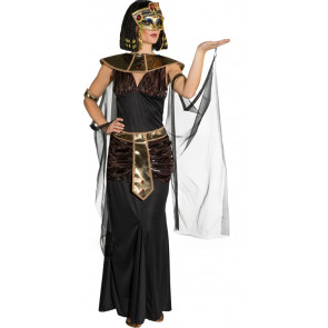 Frau im Faschingskostüm Kleopatra mit Schmuck