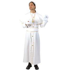Mann verkleidet in Papst Soutane
