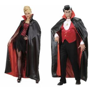 Paar mit Dracula Vampirumhang Stehkragen