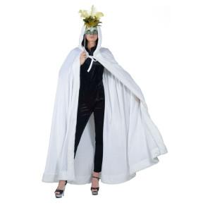 Bild von Frau mit weißem Samtumhang