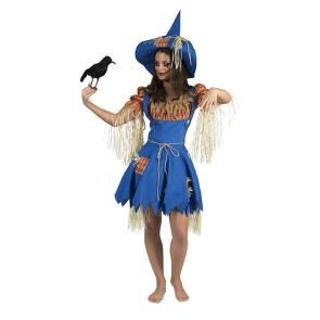 Frau als Vogelscheuche verkleidet mit Stroh und Hut