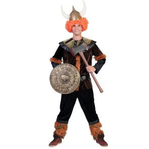Mann im Wikinger Kostüm mit Stulpen und Helm