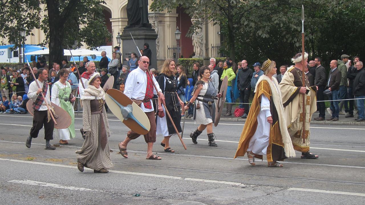 Mittelalter Kostüme Trachtengruppe