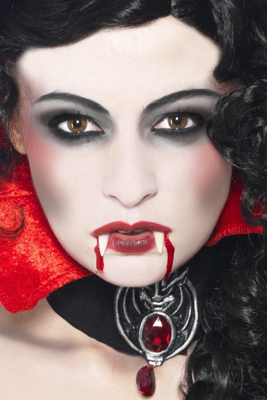 Ergebnis Anleitung Schminken Vampir